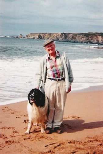 Brian Kitson with a Landseer on the beach